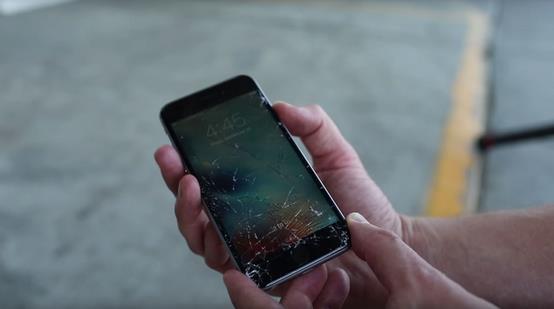 iPhone 6s Plus VS Galaxy Note 5 тест на прочность-2
